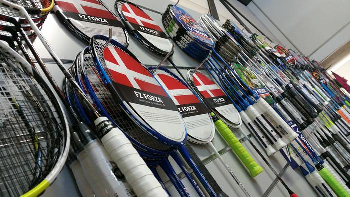 Over Ons Racketwand
